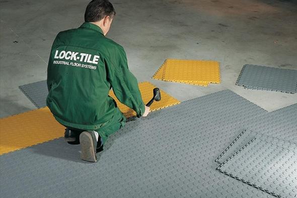 lock-tile-revetement-de-sol-industriel-revetement-de-sol-industriel-435641-FGR