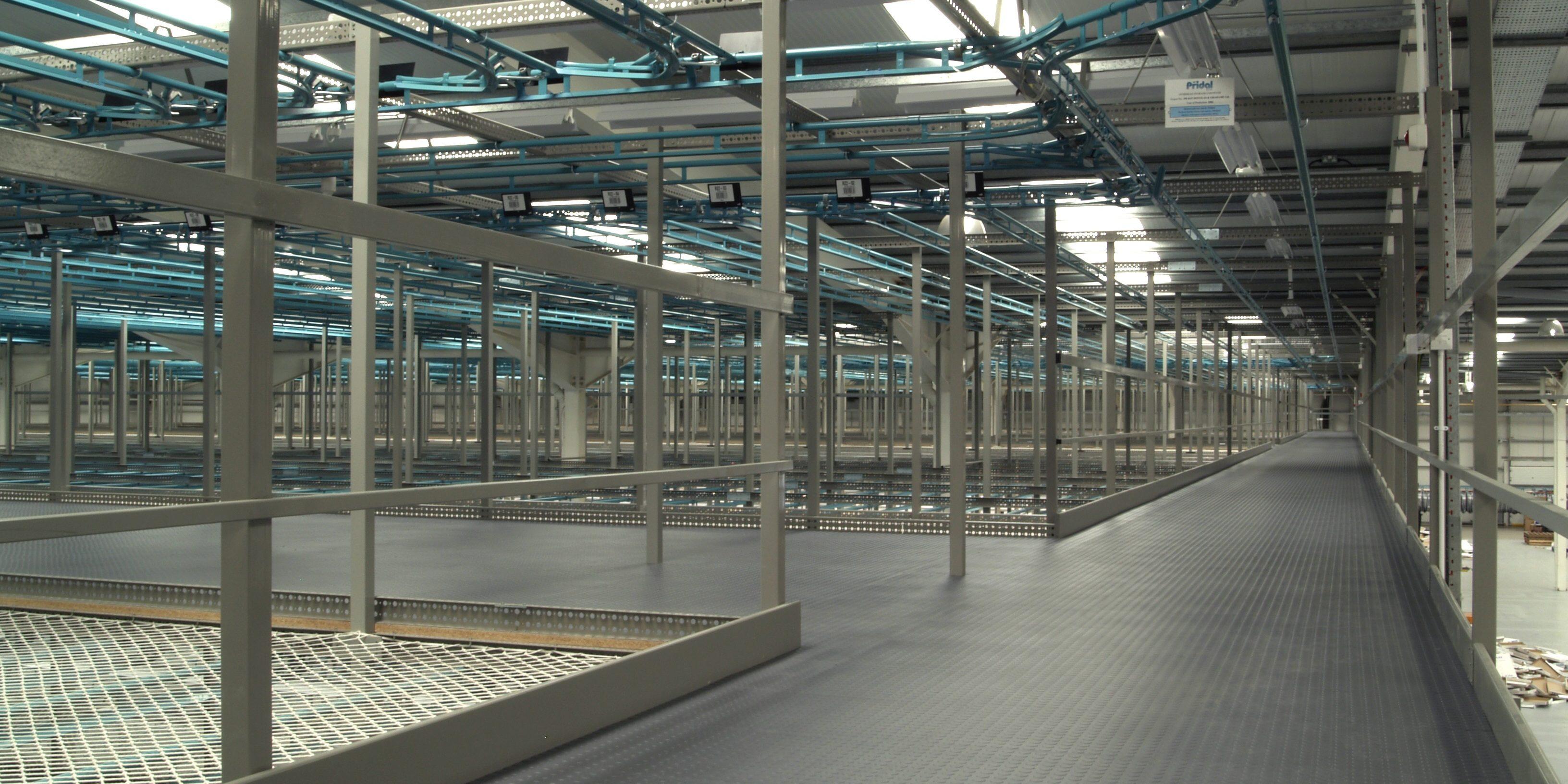 Quel Revetement De Sol travail dans un entrepôt : quel sol choisir ? - lock-tile